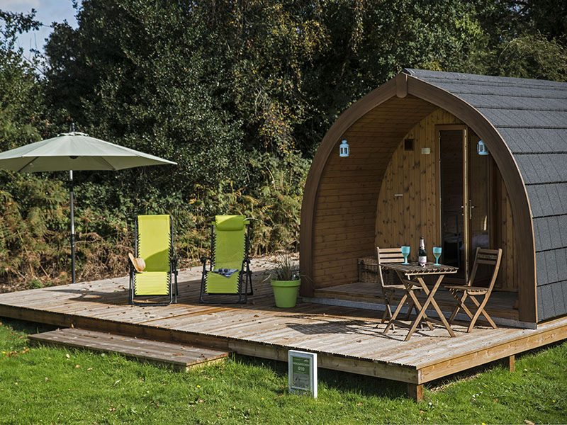 Exterior of Woodpecker large glamping pod